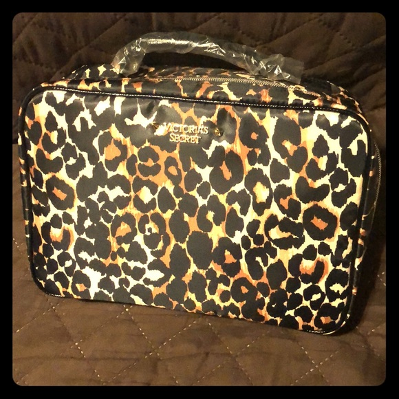c4b899322a0ae Victoria's Secret Makeup Bags.